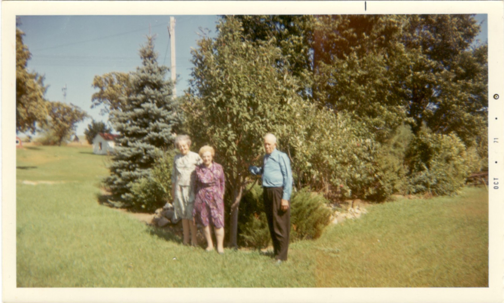 Carl and Theresa Wallin on the Farm